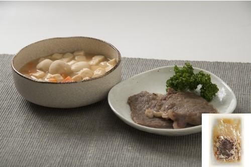 サーロインステーキ豆腐煮添え